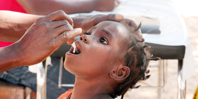 IVI photo A girl is vaccinated with oral cholera vaccine.jpg